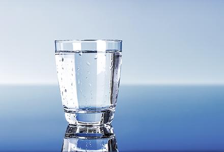 7 motive sa bei apa cu sare in fiecare dimineata   ghise-ioan.ro