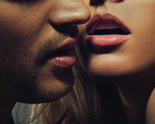 DEEP KISSING - Definiția și sinonimele deep kissing în dicționarul Engleză