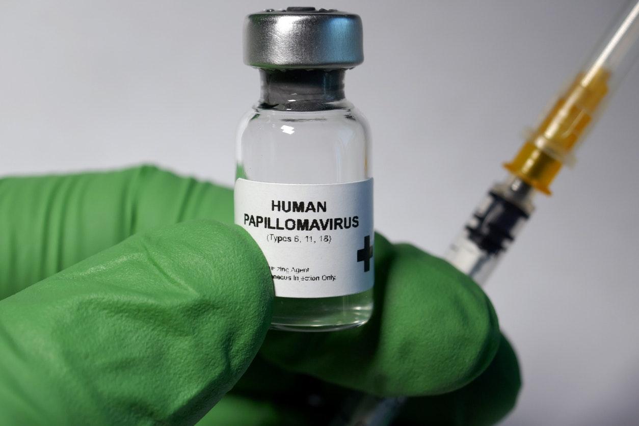 antibiotique pour papillomavirus