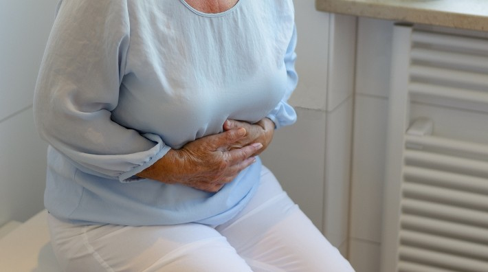 intestinal cancer early symptoms