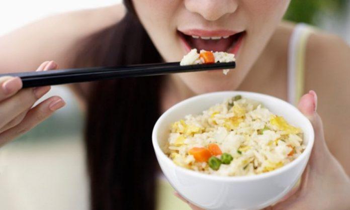 Dieta cu orez: Elimină excesul de apă şi toxinele din organism