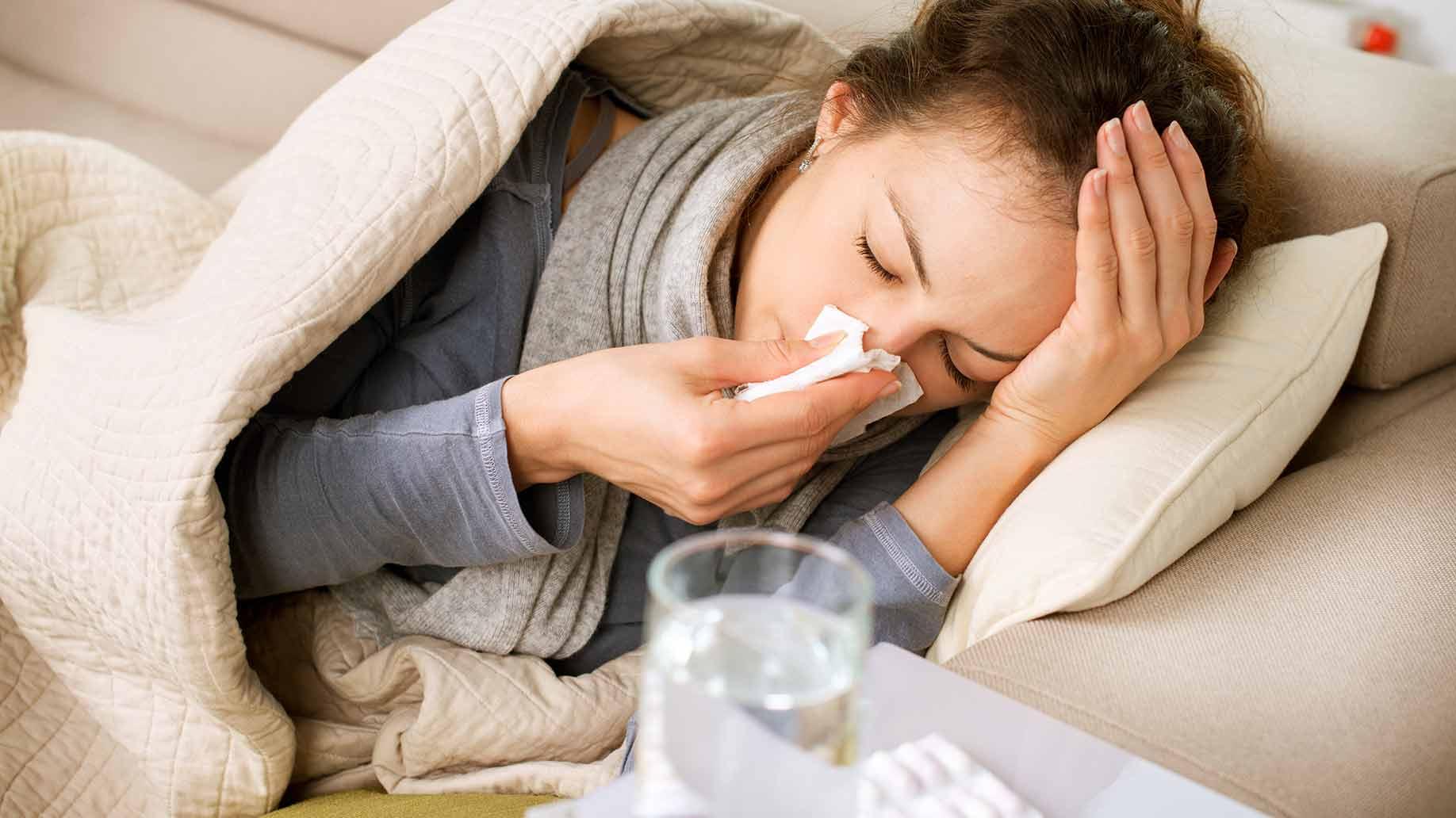 Învaţă să tratezi singură răceala şi gripa!