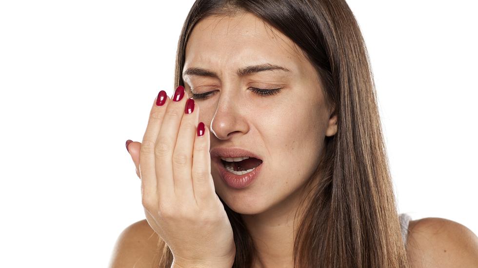 Cum scapam de respiratia urat mirositoare